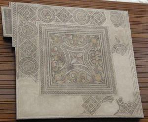 Mosaico que preside el hemiciclo de las Cortes de CyL