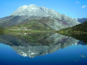 El Espigüete, una de las cumbres más características de la Montaña Palentina. Foto: Wikipedia.