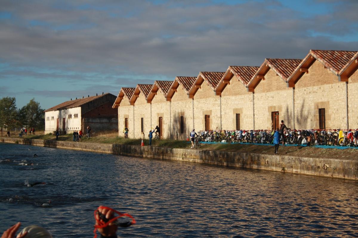 El Canal de Castilla, un lema: el agua que nos une, una meta: consolidarlo como elemento patrimonial de desarrollo e identidad cultural