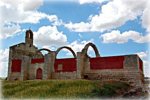Ermita de Canteces, en Vega de Valdetronco.